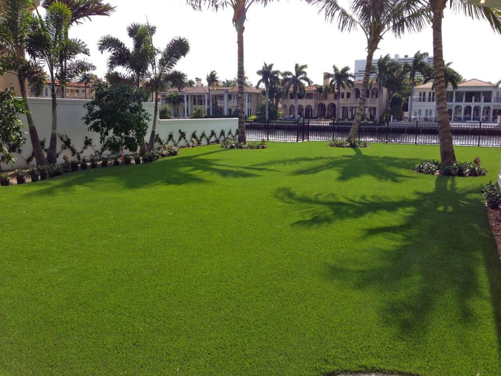 Who sells artificial grass in Orlando?